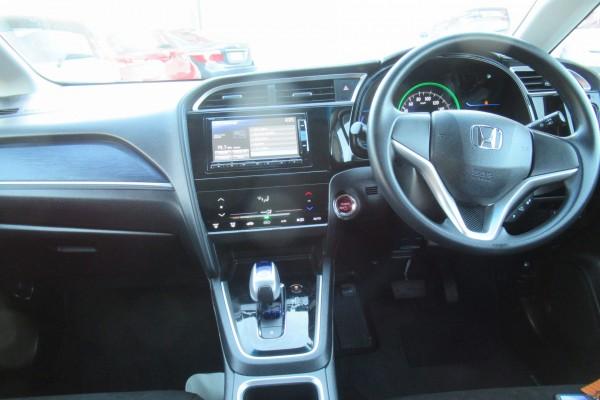 Honda Fit Shuttle  HYBRID 2015