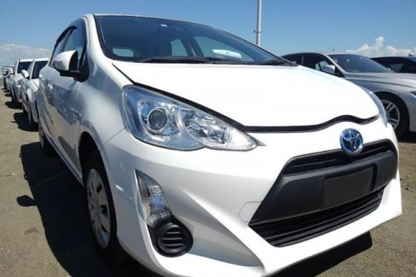 Toyota Aqua L HYBRID 2016