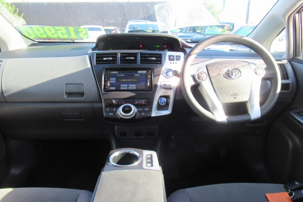 Toyota Prius Alpha ALPHA S HY 2011
