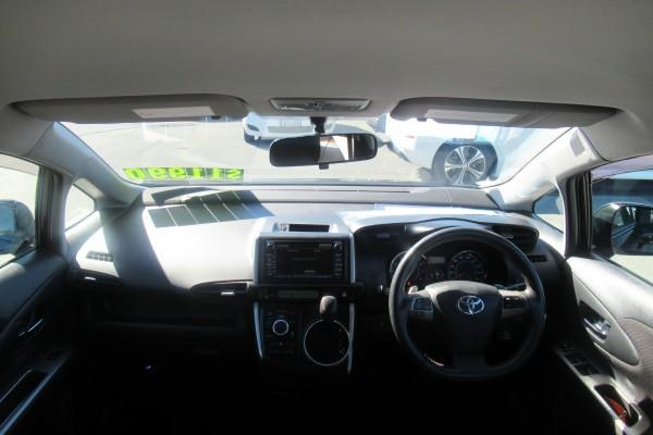 Toyota Wish 2.0Z 2010