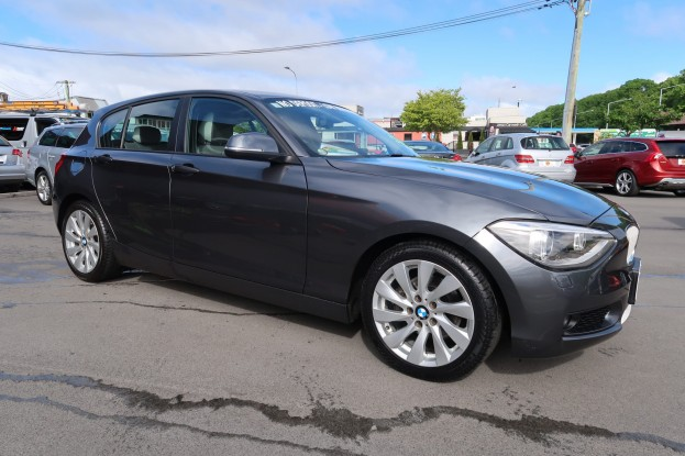 BMW 120i URBAN LINE 2012