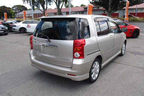 Toyota Raum 1.5S 2006