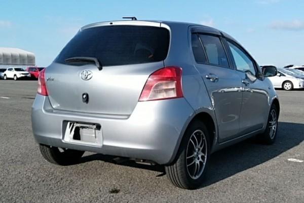 Toyota Vitz 1.3F 2006