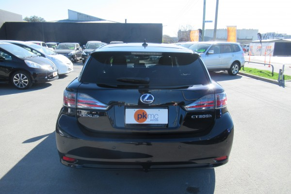 Lexus CT200H VERSION C 2012