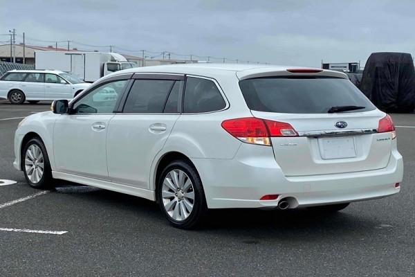Subaru Legacy 2.5I EYESI 2010