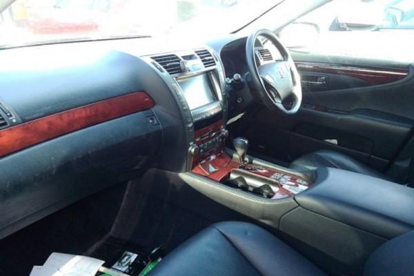 Lexus LS460 VER-C 2007