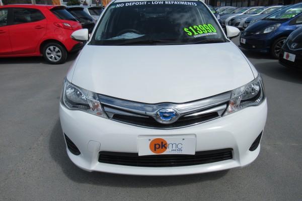 Toyota Corolla Fielder HYBRID 2014
