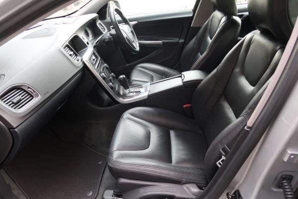 Volvo V60 T6 AWD SE 2011