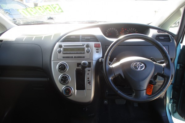 Toyota Ractis 1.5G 2006