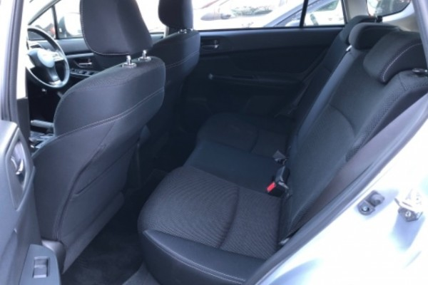 Subaru Impreza 2WD 2.0I 2014