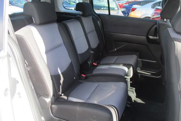 Mazda Premacy 20S 2006