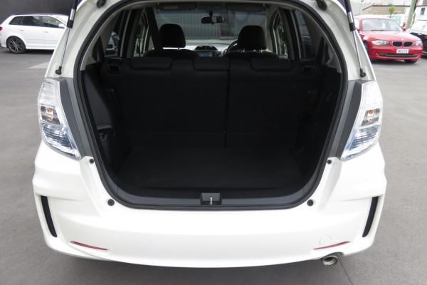 Honda Fit RS HYBRID 2012