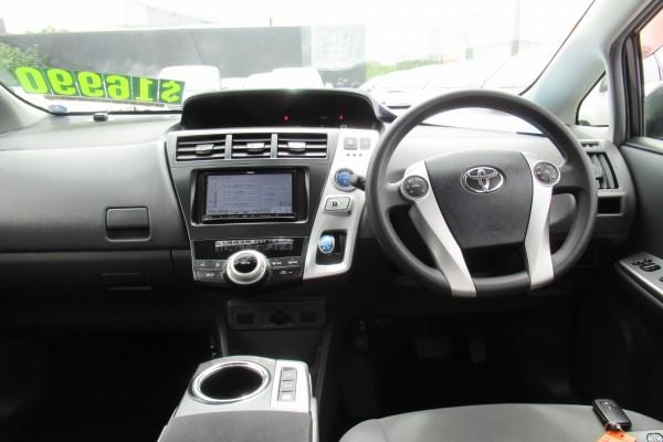 Toyota Prius Alpha ALPHA SL H 2013