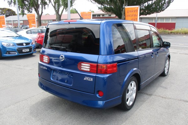 Nissan Lafesta HIGHWAY ST 2009