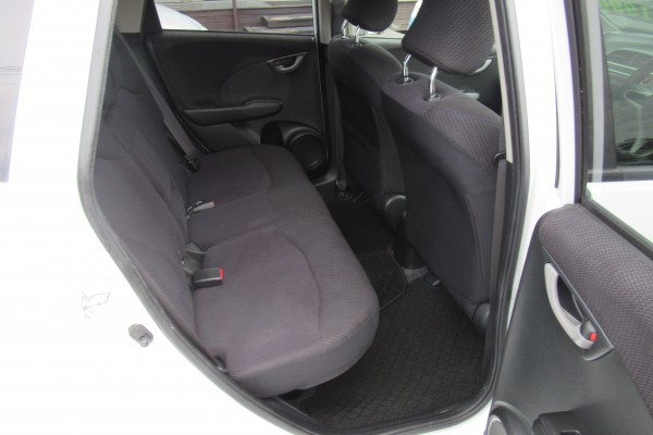 Honda Fit HYBRID 2013