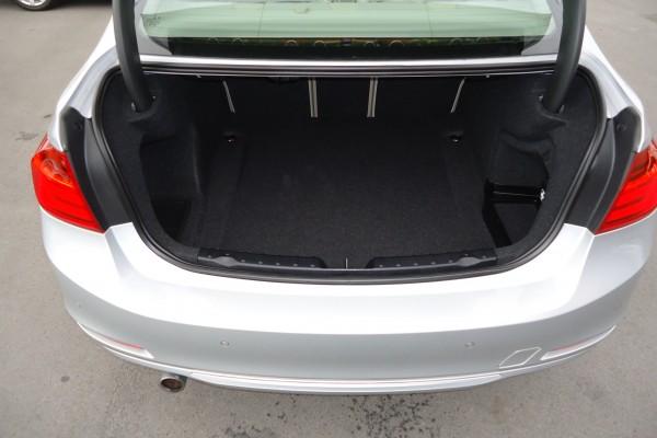 BMW 320d MODERN LIN 2013