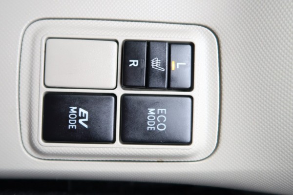 Toyota Aqua G HYBRID 2013