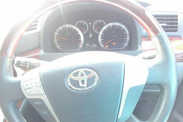 Toyota Alphard 240S 8SEAT 2011