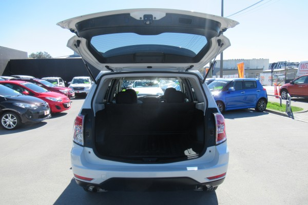 Subaru Forester 2.0X AWD 2008