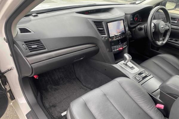 Subaru Outback 2.5I-S EYE 2013
