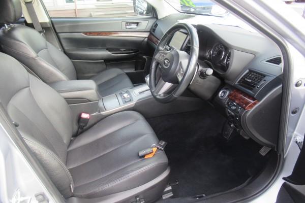 Subaru Outback 3.6R EYESI 2011