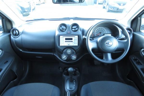 Nissan Tiida LATIO 1.2 2012