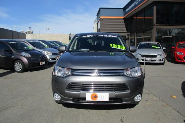 Mitsubishi Outlander PHEV 4WD 2 2014
