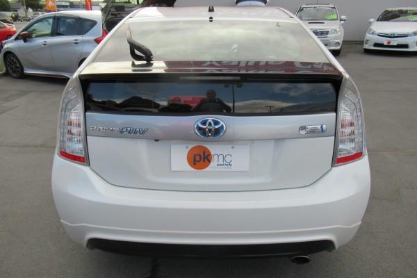 Toyota Prius PHEV 2014