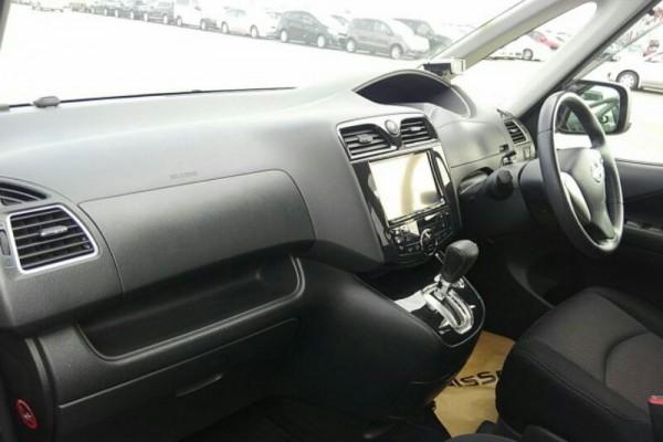 Nissan Serena HIGHWAY 2012