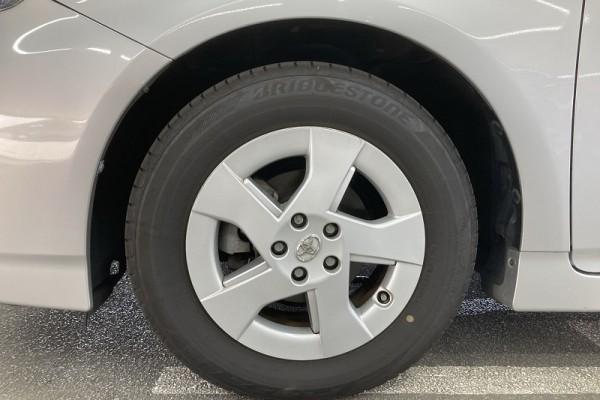 Toyota Prius 1.8S HYBRI 2011
