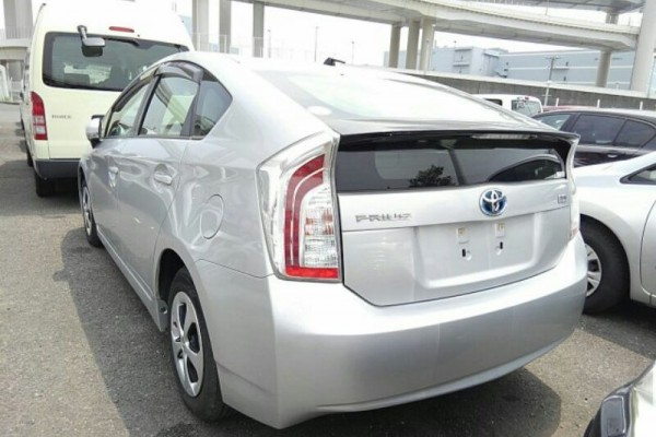 Toyota Prius 1.8L HYBRI 2012