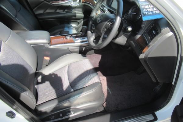 Nissan Fuga 370GT 2012