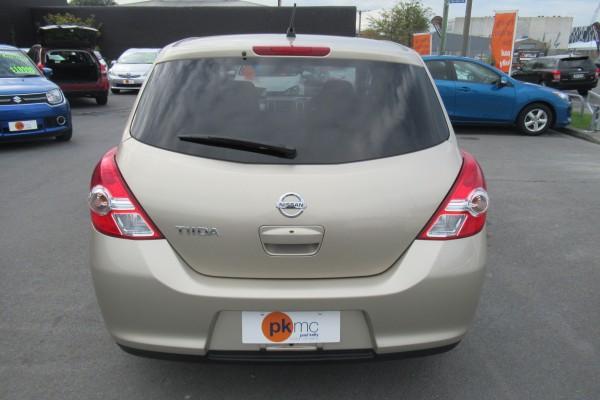 Nissan Tiida 15M 2012