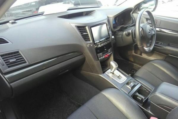 Subaru Legacy 2.5I EYESI 2014