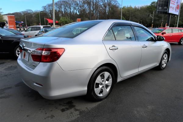 Toyota Camry HYBRID 2012