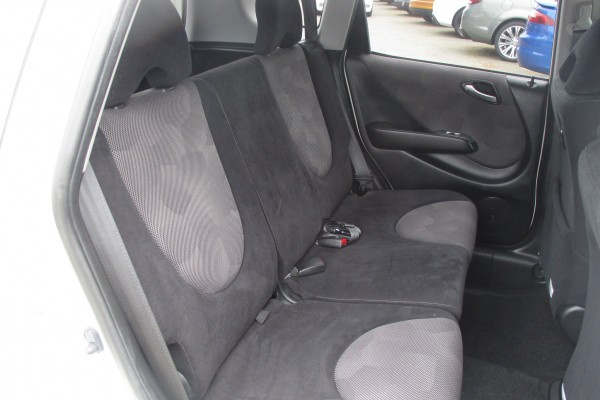 Honda Fit 1.5A 2006