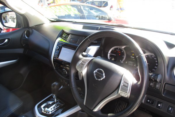 Nissan Navara STX 4X4 2015