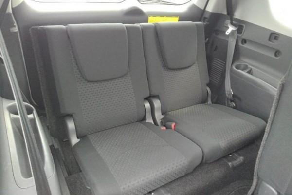 Toyota Vanguard 240S 2WD 2010