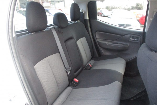 Mitsubishi Triton GLX 4X4 2016