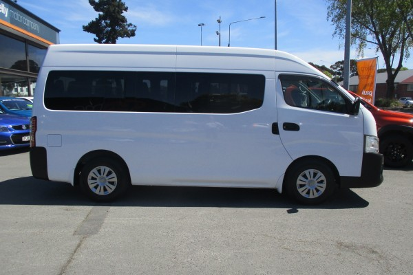 Nissan Caravan MICROBUS D 2013