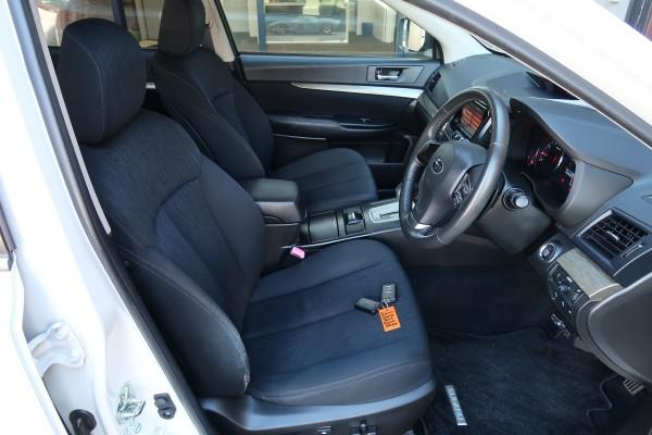 Subaru Legacy 2.5I EYESI 2012