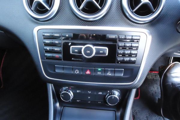 Mercedes-Benz A 180 A 180 2013