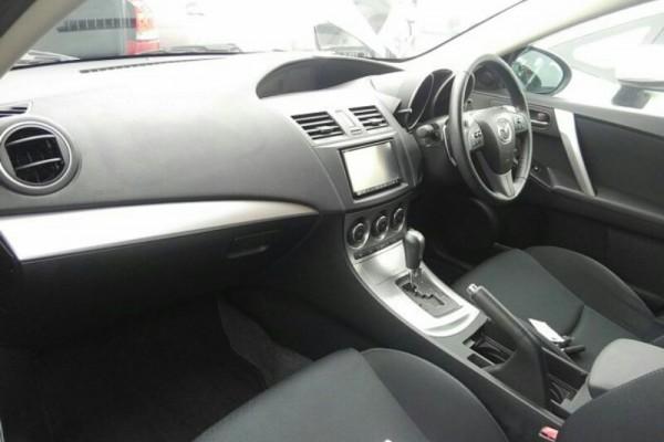 Mazda Axela 20S TOURIN 2011