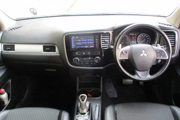 Mitsubishi Outlander 4WD G SAFE 2014