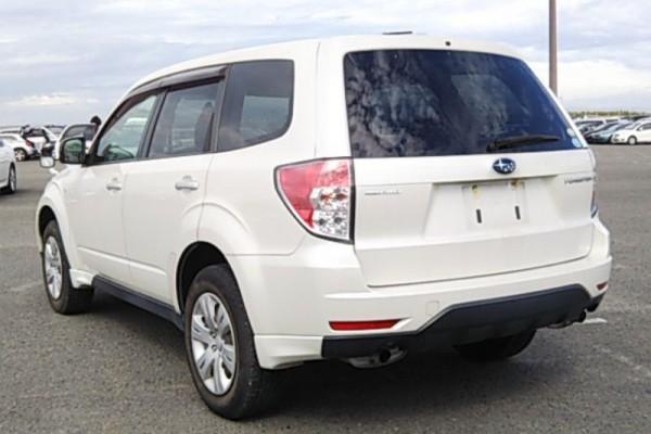 Subaru Forester 2.0X AWD 2011