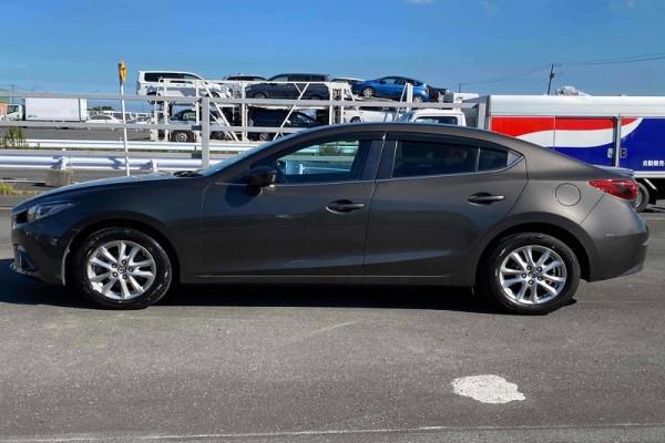 Mazda Axela HYBRID 2014