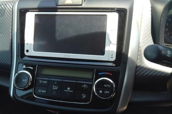 Toyota Corolla Fielder HV HYBRID 2014