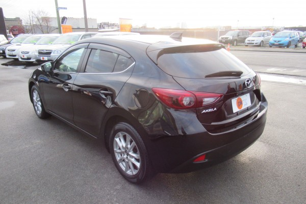 Mazda Axela 15S 2014