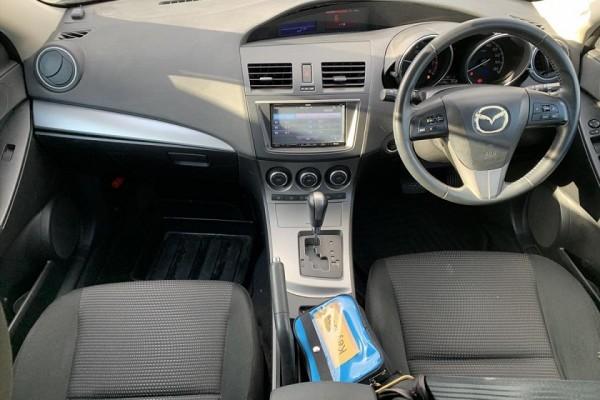 Mazda Axela 15S 2011