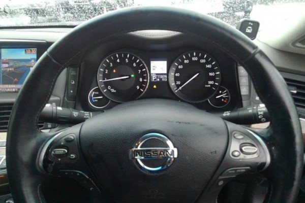 Nissan Fuga VIP HYBRID 2010